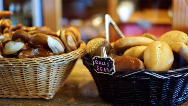 Samstagsküche: Macht dann 69 Cent: Brötchen in der Bäckerei des Ehepaars Nio im Silicon Valley.