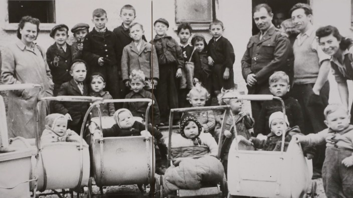 Lager Föhrenwald: Start in ein neues Leben: Viele Menschen erlebten im Lager Föhrenwald trotz aller Strapazen und Entbehrungen eine schöne Kindheit, wie sie heute rückblickend resümieren.