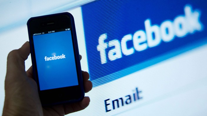 Facebook will warn users of state-sponsored attacks