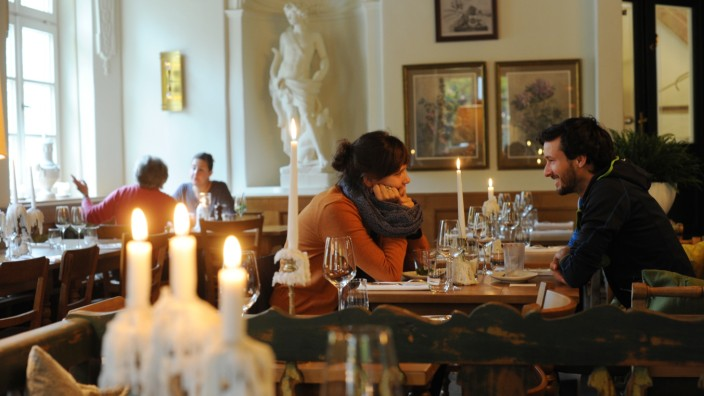 Zum Ferdinand: Im Restaurant Ferdinand lässt es sich tafeln wie zu Zeiten der k.u.k.-Monarchie.