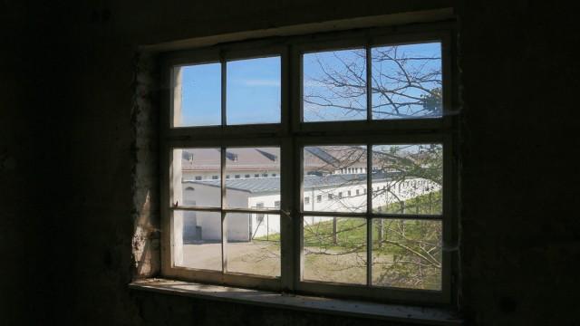 Pogromnacht: An der KZ Gedenkstätte wird am Sonntag an die Pogromnacht 1938 erinnert. Der Blick vom Wachturm umfasst Bunker und Verwaltungsbau.