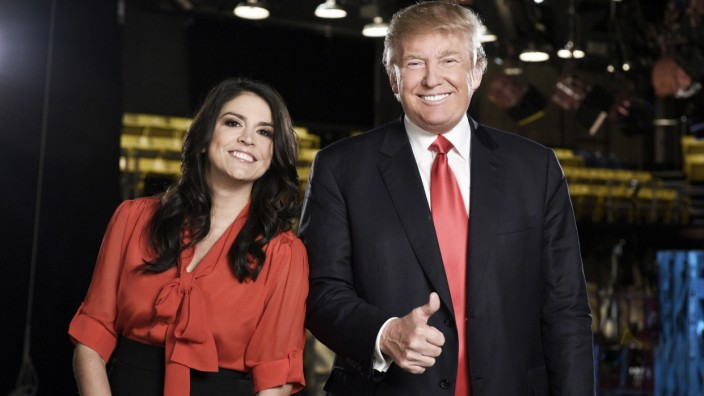Saturday Night Live - Season 41 Donald Trump Cecily Strong
