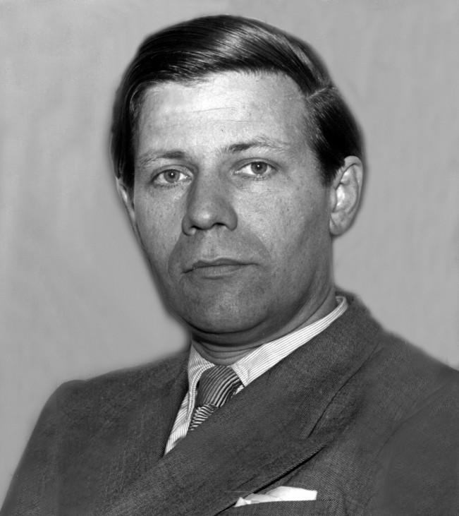 Helmut Schmidt tot