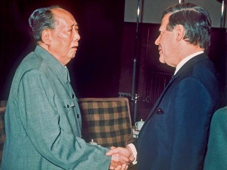 Helmut Schmidt trifft Mao Tse-tung, Oktober 1975