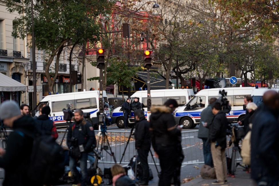 Nach Attentaten von Paris - Bataclan Theater