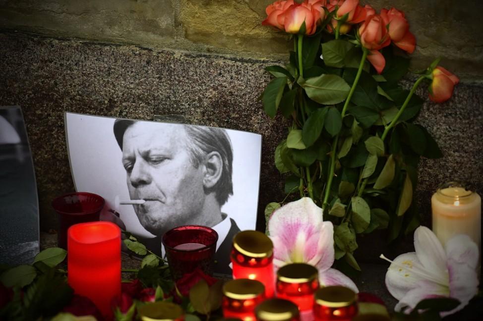 Germany Mourns Helmut Schmidt