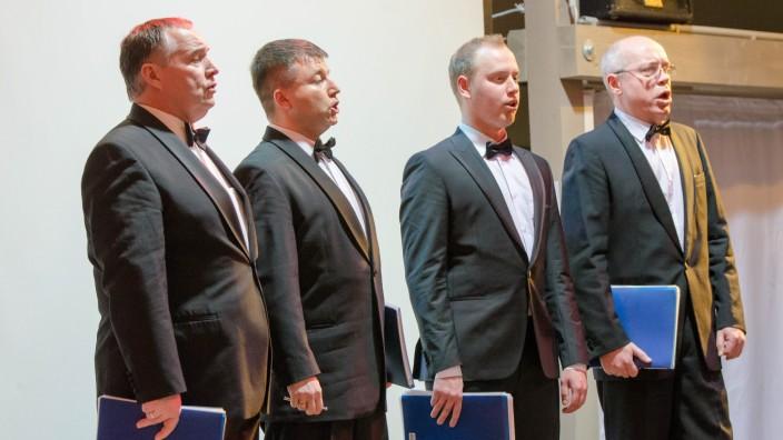 Wolfratshausen: Mit Stimmkraft, aber auch im Pianissimo überzeugten die vier Sänger vom Peterquartett aus St. Petersburg.