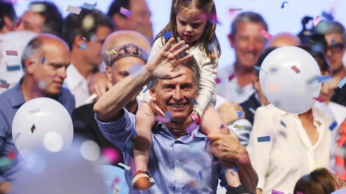 Mauricio Macri of Cambiemos wins Argentine presidential run-off
