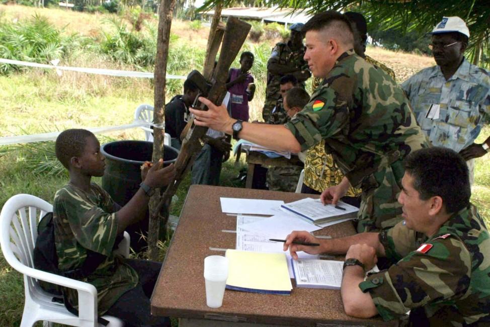 ENTWAFFNUNG KINDERSOLDAT IN LIBERIA