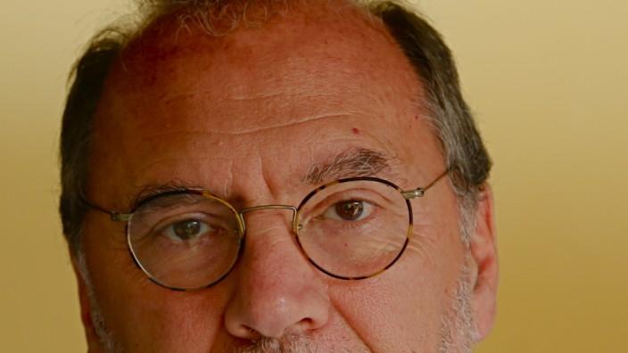 Peter Piot: Der Belgier Peter Piot ist einer der Entdecker des Ebola-Virus. Er hat für die WHO in der Aids-Forschung gearbeitet und war Direktor von UNAIDS. Heute leitet er die London School of Hygiene and Tropical Medicine.