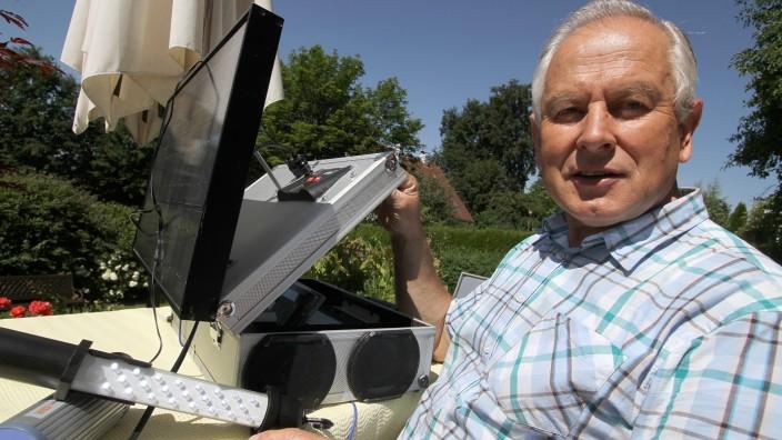 Dachau: Willi Kirchensteiner, ehemaliger Lehrer, hat eine Wärmepumpe in ein Bildungsprojekt integriert.