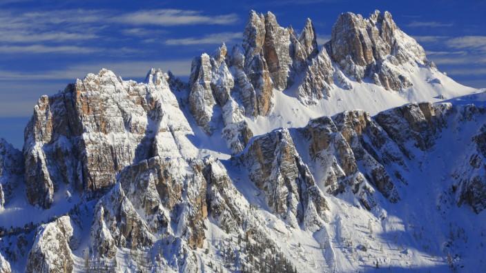 Croda da Lago Italien Suedtirol Dolomiten Croda da Lago Italy South Tyrol Dolomites BLWS358843