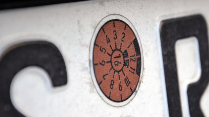 Die braune TÜV-Plakette für 2016