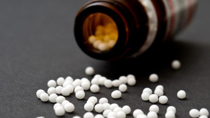 Homöopathie - Die Wirkung von Globuli ist umstritten