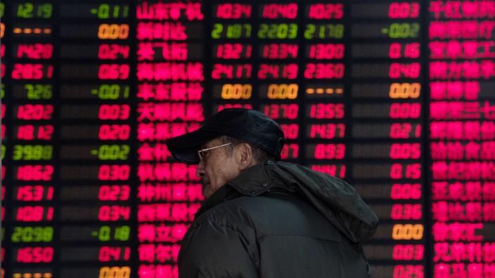 Aktien: Wegen schlechter Konjunkturdaten sind die Börsen von Shanghai und Schenzhen massiv eingebrochen.