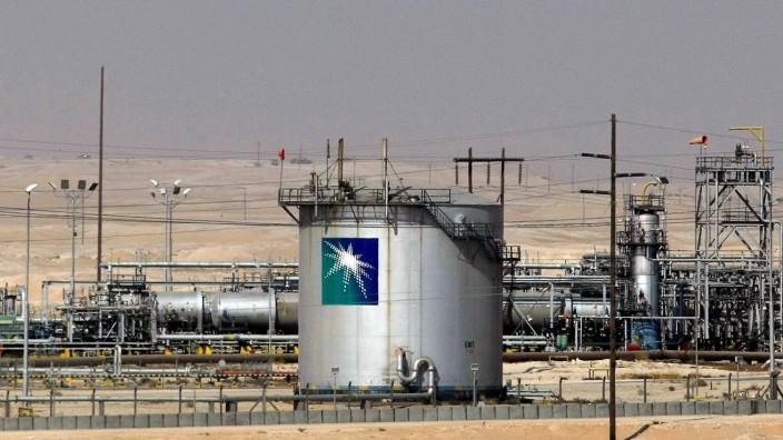 COMMODITIES-ENERGY-OIL-100-GULF