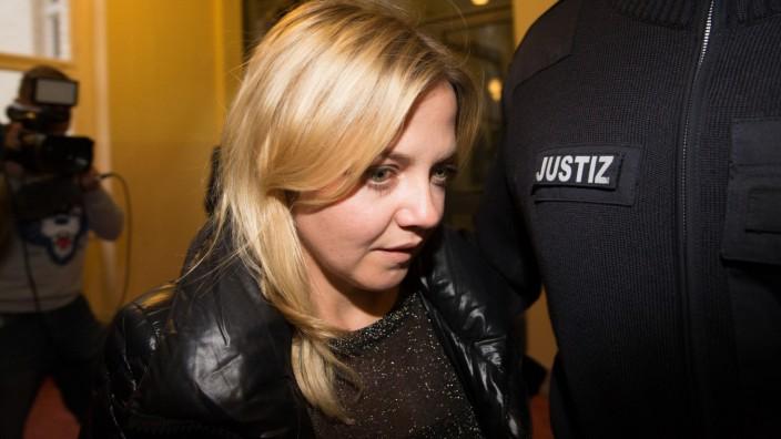 Sängerin Louisan bei Prozess gegen ihren mutmaßlichen Erpresser