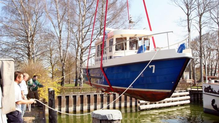 Polizeiboot wieder im Ammersee-Wasser