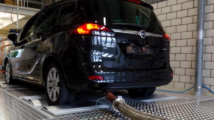 Opel Zafira 1.6 CDTI ecoFlex bei einer Prüfstandsmessung