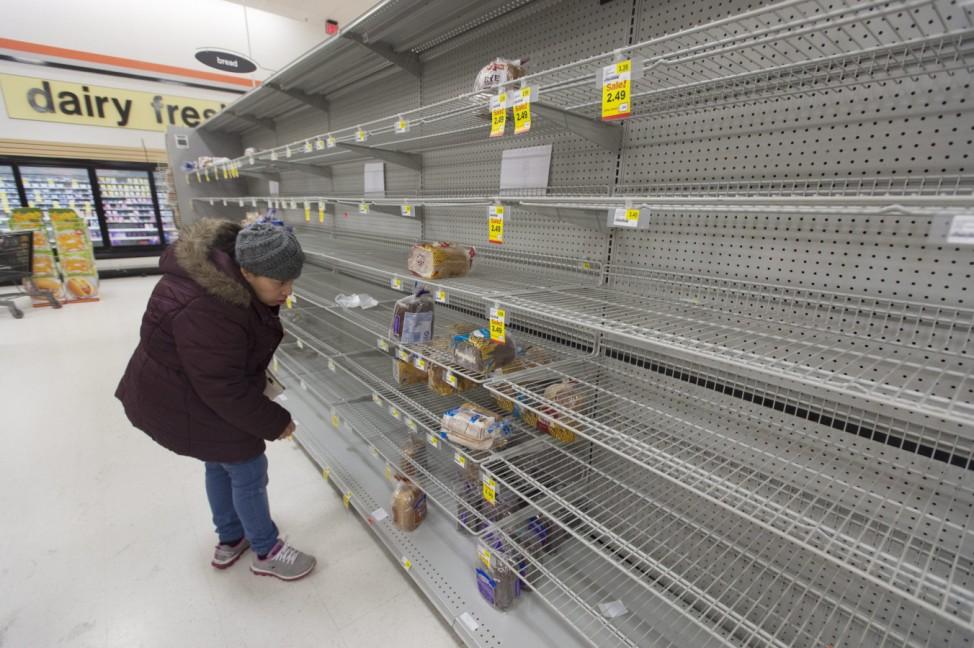 People prepare for Winter Storm Jonas