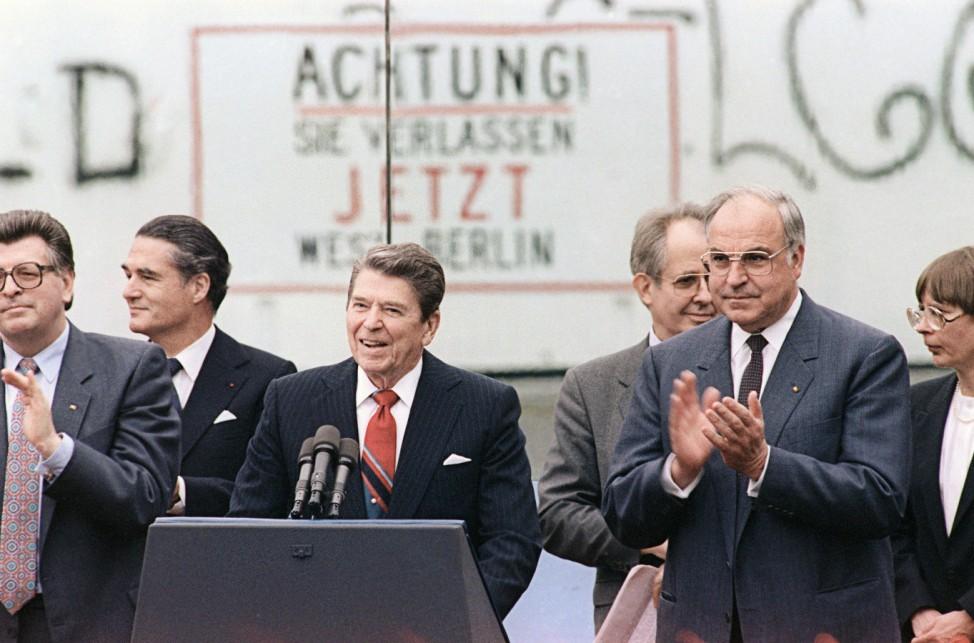 US-GERMANY-BERLIN WALL-REAGAN-KOHL
