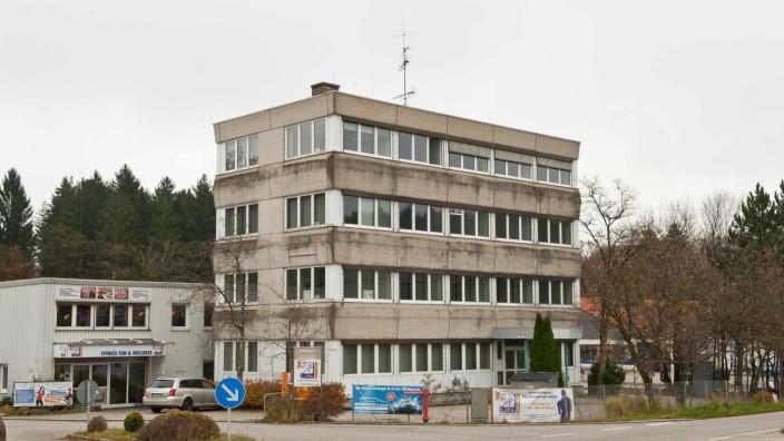 Volkshochschule: Mit den sanierten Räumen im Haschler-Turm sind sowohl die Vertreter der Musikschule als auch der Volkshochschule vollauf zufrieden.