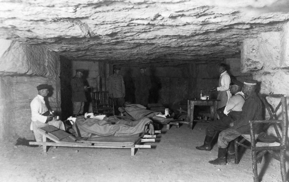 Deutsches unterirdisches Feldlazarett bei Fort Douaumont, 1916
