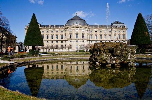 Würzburger Residenz im Spiegelbild