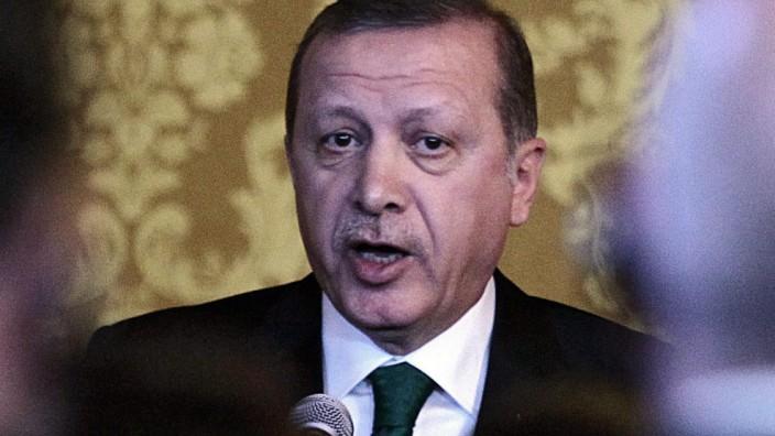 Turkish President Erdogan visits Ecuador