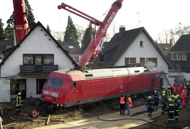 Zugunglück in Brühl, 2000