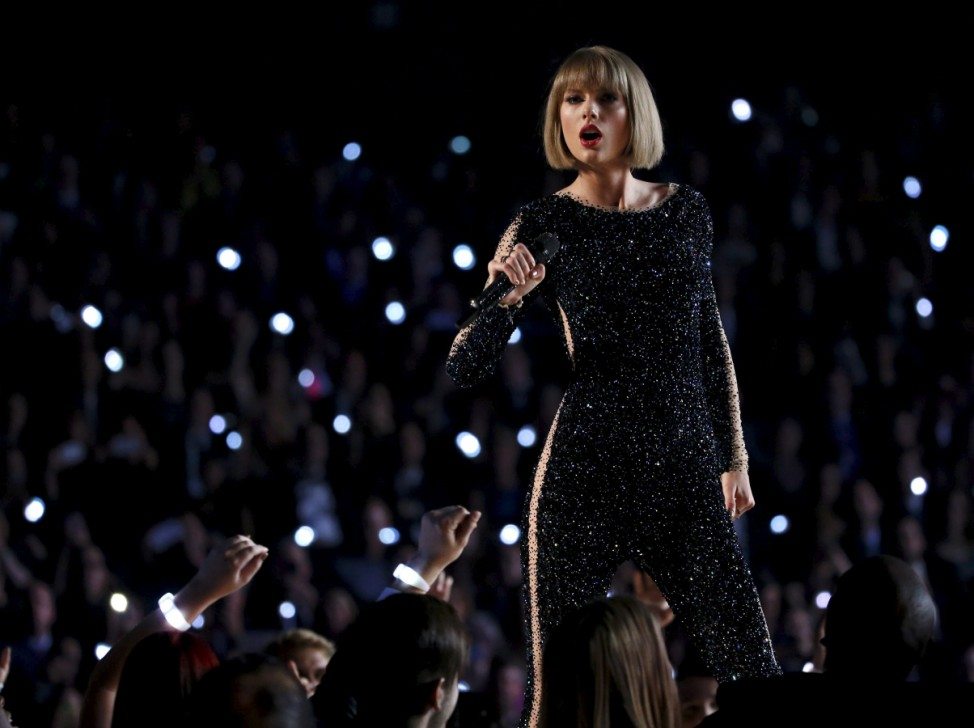 Taylor Swift performs 'Out of the Woods' at the 58th Grammy Awards in Los Angeles