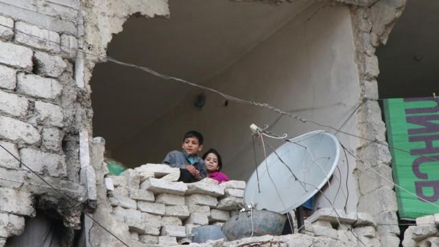 Traumata: Was Kinder im Krieg wie in diesen Tagen in Aleppo sehen, werden sie ihr Leben lang nicht mehr vergessen können.