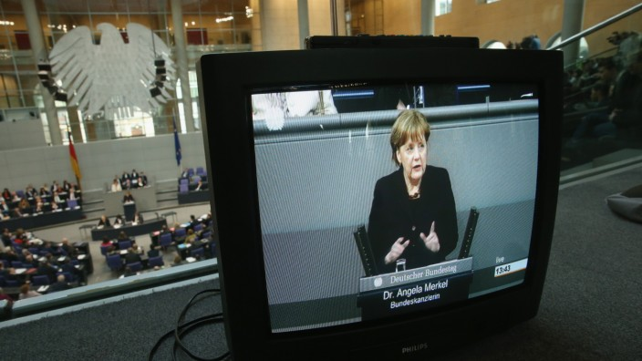 Merkel Gives Government Declaration Before Crucial Brussels Summit