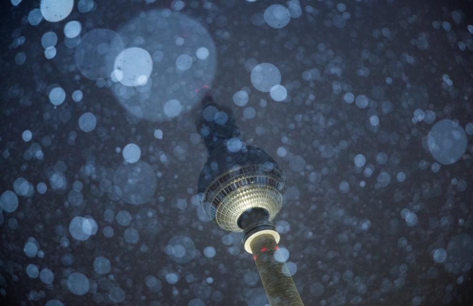 Fernsehturm im Schnee