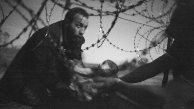 Fotojournalismus: Kriegsfotos wie Warren Richardsons dramatisches World-Press-Siegermotiv von 2015 erzeugen starke Empathie. Wissenschaftlerin Karen Fromm wünscht sich stattdessen Bilder, die eine Annäherung an die Komplexität von Konflikten suchen.