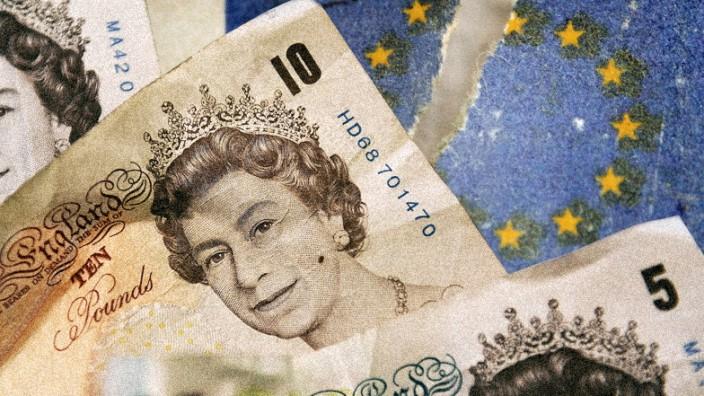 Großbritannien: Das Brexit-Risiko hält Finanzmärkte und Konzernzentralen in Großbritannien schon jetzt in Atem.