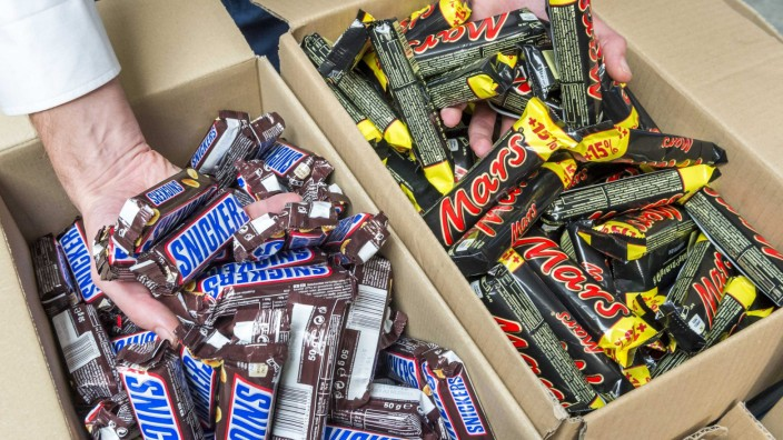 Mars recalls chocolate bars in 56 countries after plastic piece f