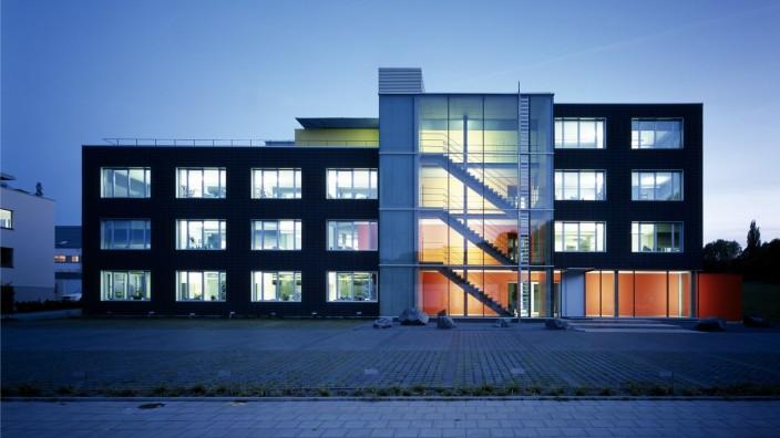 BOB.Aachen ist mit gemessenen 27 kW/m2a für Heizung, Kühlung, Lüftung, Beleuchtung, Warmwasser und Aufzug das energieeffizienteste Bürogebäude Deutschlands