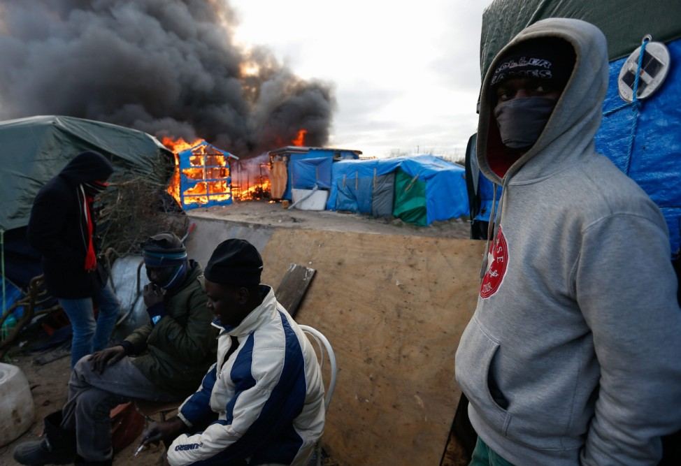 Start of the expulsion of a part of the Jungle migrant camp in Ca