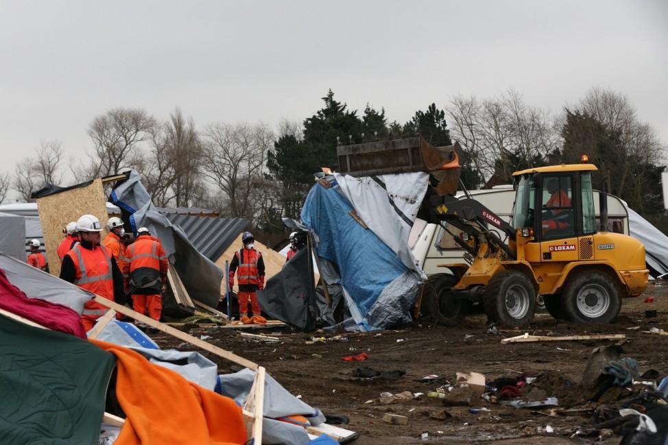 Destruction Of Calais Jungle Camp Continues