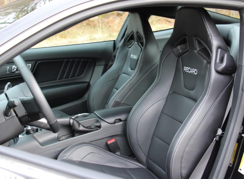 Die Recaro-Sportsitze des Ford Mustang 2.3 EcoBoost.
