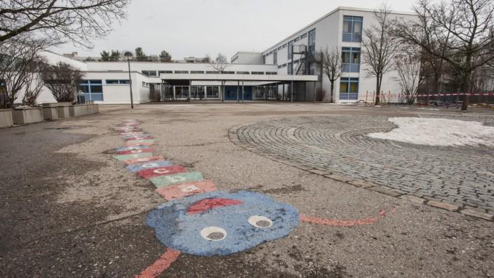 Taufkirchen; Pappelstraße, Grundschule am Wald;