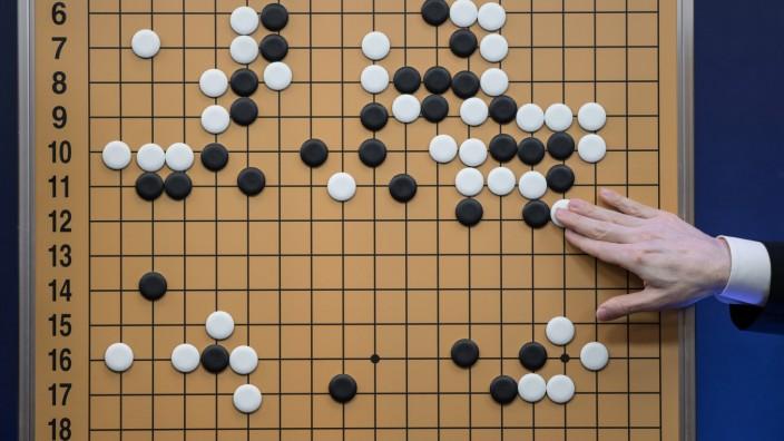 AlphaGo Zero: Go besteht aus nur vier Grundregeln, gilt aber als eines der komplexesten Brettspiele der Welt.