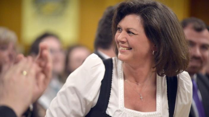 CSU: Ausgerechnet Ilse Aigner, die in der CSU als Teamplayerin bekannt ist, wagt einen Alleingang.