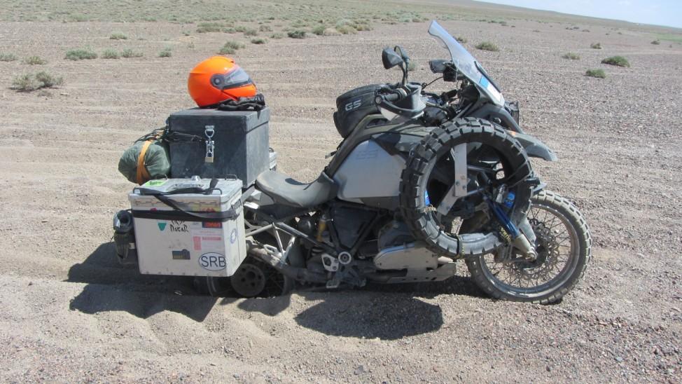 Abenteuerreise Sibirien Wolfgang Klentzau, BMW 1200 GS Adventure im Sand