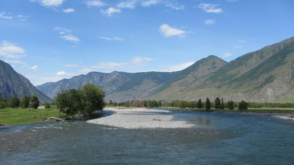 Abenteuerreise Sibirien Wolfgang Klentzau, Flusslandschaft im Altai-Gebirge