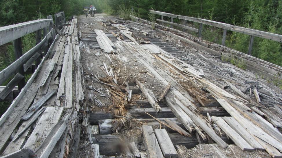 Abenteuerreise Sibirien Wolfgang Klentzau, Holzbrücke auf der BAM-Road