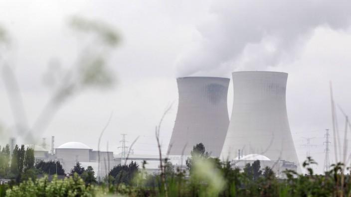 Atomkraftwerk - Reaktorblöcke Doel 1 und Doel 2 bei Antwerpen