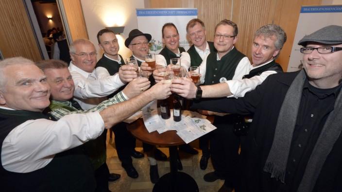 """Brauerei: Das Festmärzen wurde verkostet und für """"erstaunlich gut"""" befunden. Momentan braut die Genossenschaft noch im alten Heizkraftwerk."""