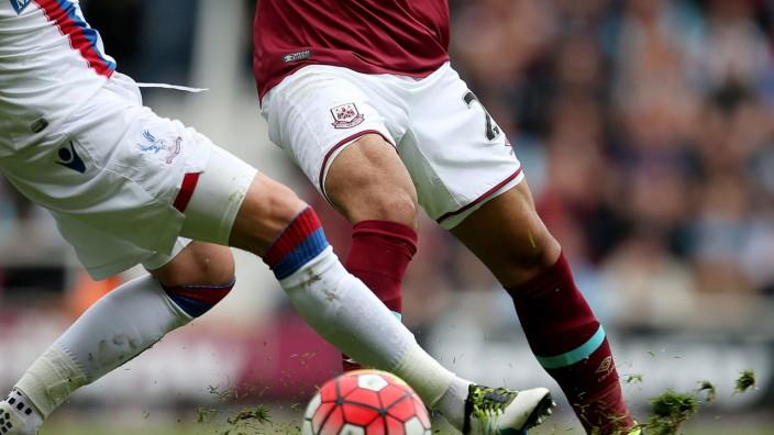 West Ham United v Crystal Palace - Barclays Premier League - Upton Park
